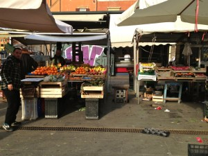 Every morning there is a market with fresh fruits and vegetables just a block from my apartment.