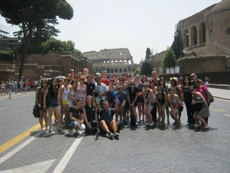 estudiantes venezolanos estudian relaciones internacionales en Italia