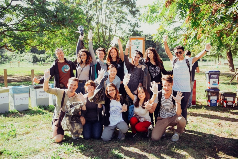 John Cabot University students team up to clean up local green spaces in Rome!