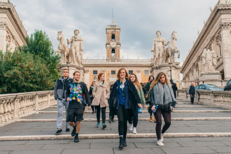John Cabot University students hit the streets to explore Rome