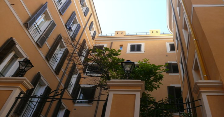 Study abroad in Rome, John Cabot University Housing and Residential Life, American university in Italy, housing for study abroad students, housing in trastevere