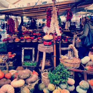 Best Seasonal Dishes to Try While Studying abroad in Rome, rome open markets, Italian food culture, study abroad in Rome,