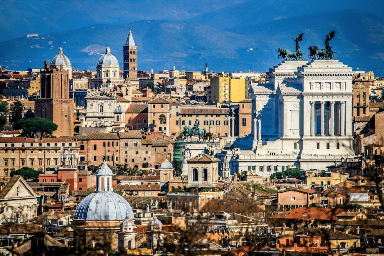 فوائد حصولك على شهادة في إدارة الأعمال بروما؟, study abroad in Rome, Rome skyline, earn a business degree in rome, study abroad Italy
