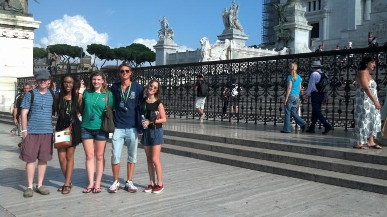 JCU - study in Italy, فوائد حصولك على شهادة امريكية في العلوم السياسية  بروما؟,  study political science in Rome, JCU political science students, study abroad,