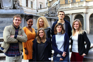 John Cabot University students tour historical sites in Rome, Study abroad class, rome, educación superior americana o italiana, spanish speaking jcu students