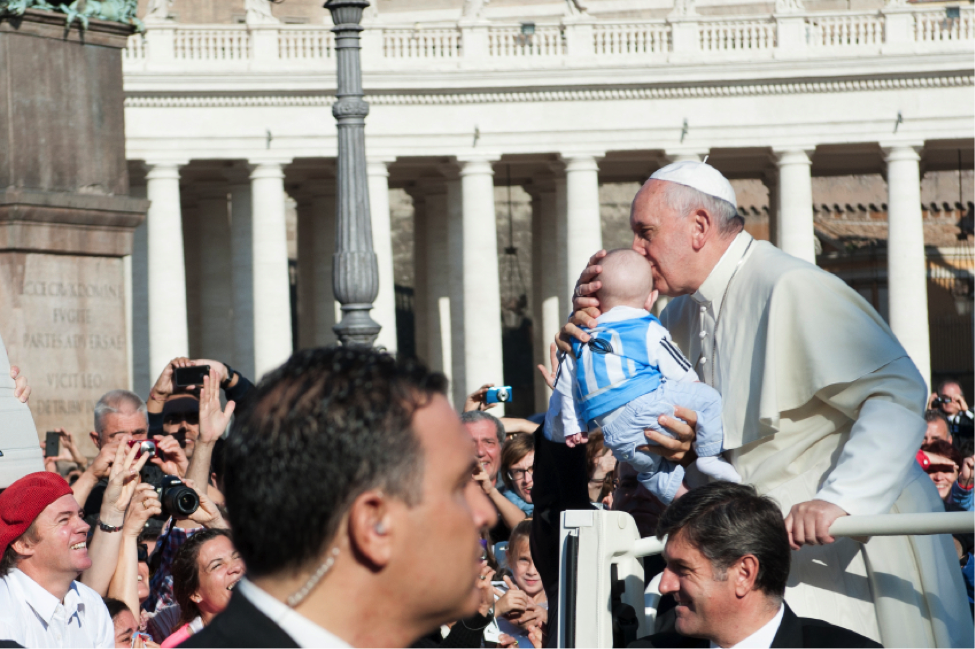 Pope Francis greets crowds in the Vatican,  St. Peter's Cathedral in the Vatican,  inauguration of Pope Francis, 4 Famous Popes and their Legacies, study abroad in Rome,