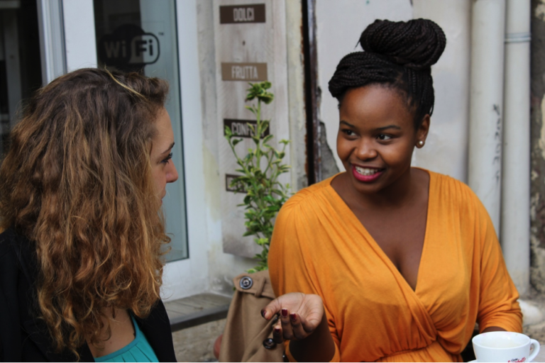 JCU students chat over cappuccino at a Trastevere café