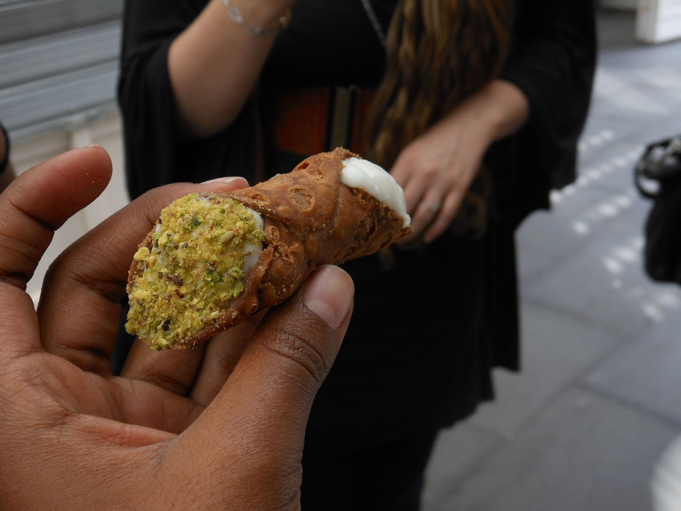 3 Authentic Lazio Desserts to Try While You Study in Italy, jcu food tour, Italian food, study abroad in Rome, roman desserts, Trastevere cafes, fresh cannoli