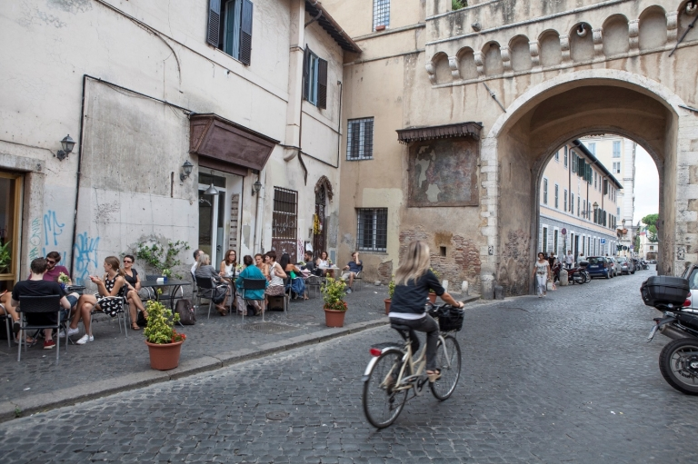 JCU students live and study in the Trastevere neighborhood in the heart of Rome