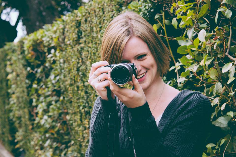 A JCU student practices photography while she studies abroad in Italy