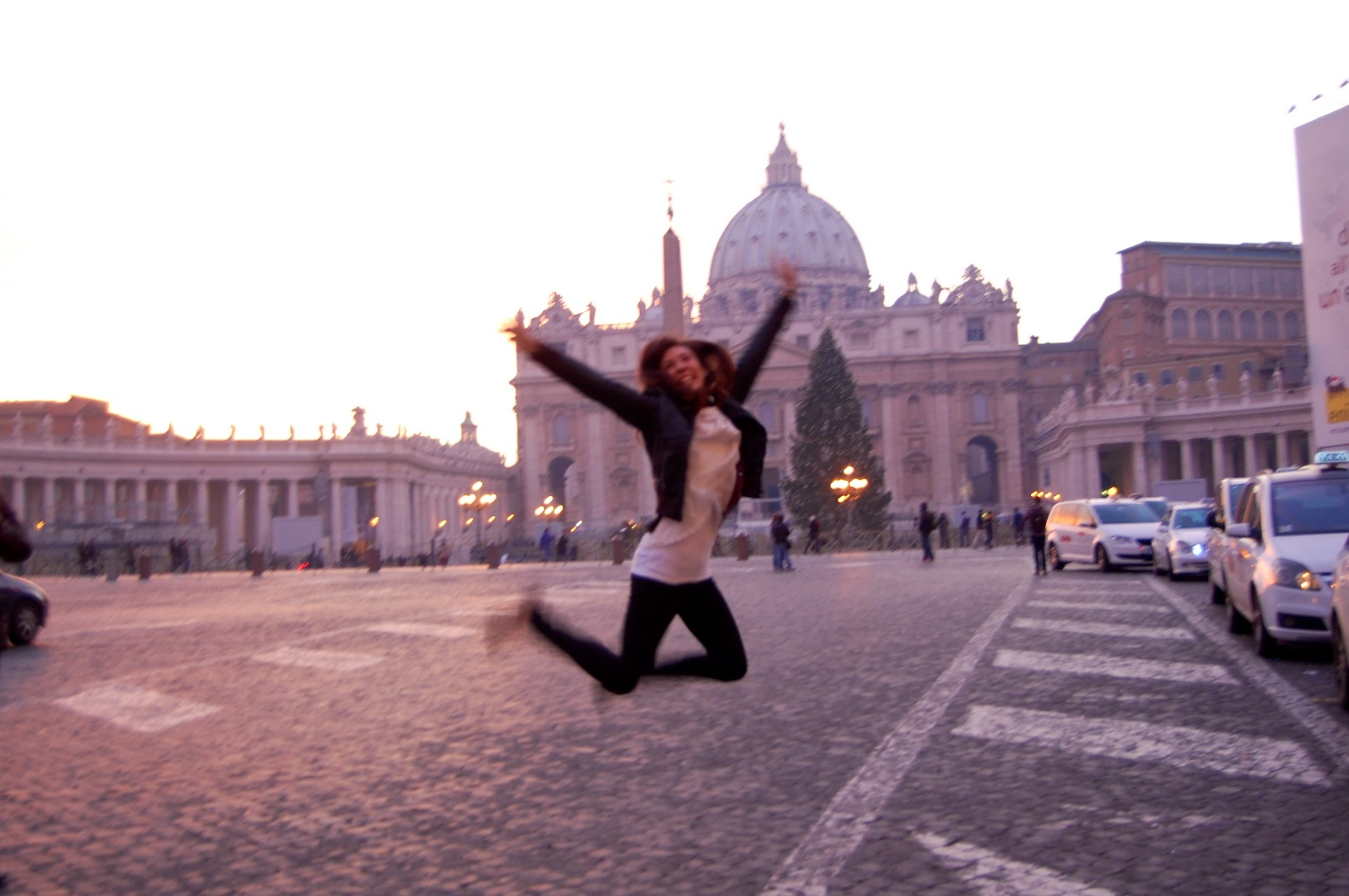 American colleges in Rome, study abroad in italy, 4 Reasons International Students in Italy Enjoy Rome's Spring Season, spring in rome, jcu students