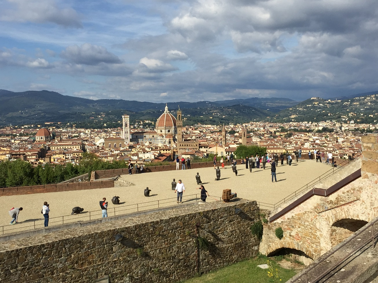 JCU students visit an exhibit at Forte di Belvedere in Florence