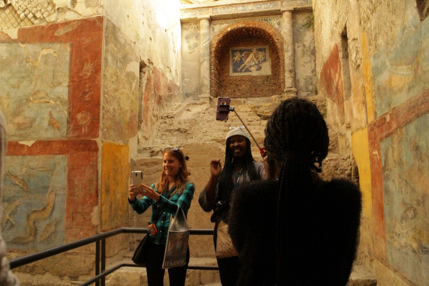 JCU students in Pompeii, jcu student life, jcu weekend trips, study abroad in Rome, Student-Friendly Travel Tips to Try While You Study Abroad, travel tips for students