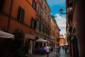 Streets of Trastevere, getting around Rome, Americans in Rome, study abroad in Rome, John Cabot University, The Eternal City, tips for moving to Rome, Everything you should know when studying in Rome