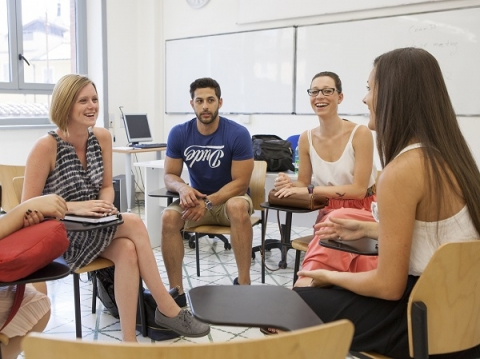 Enjoy discussions in the classroom and out in the city when you study abroad